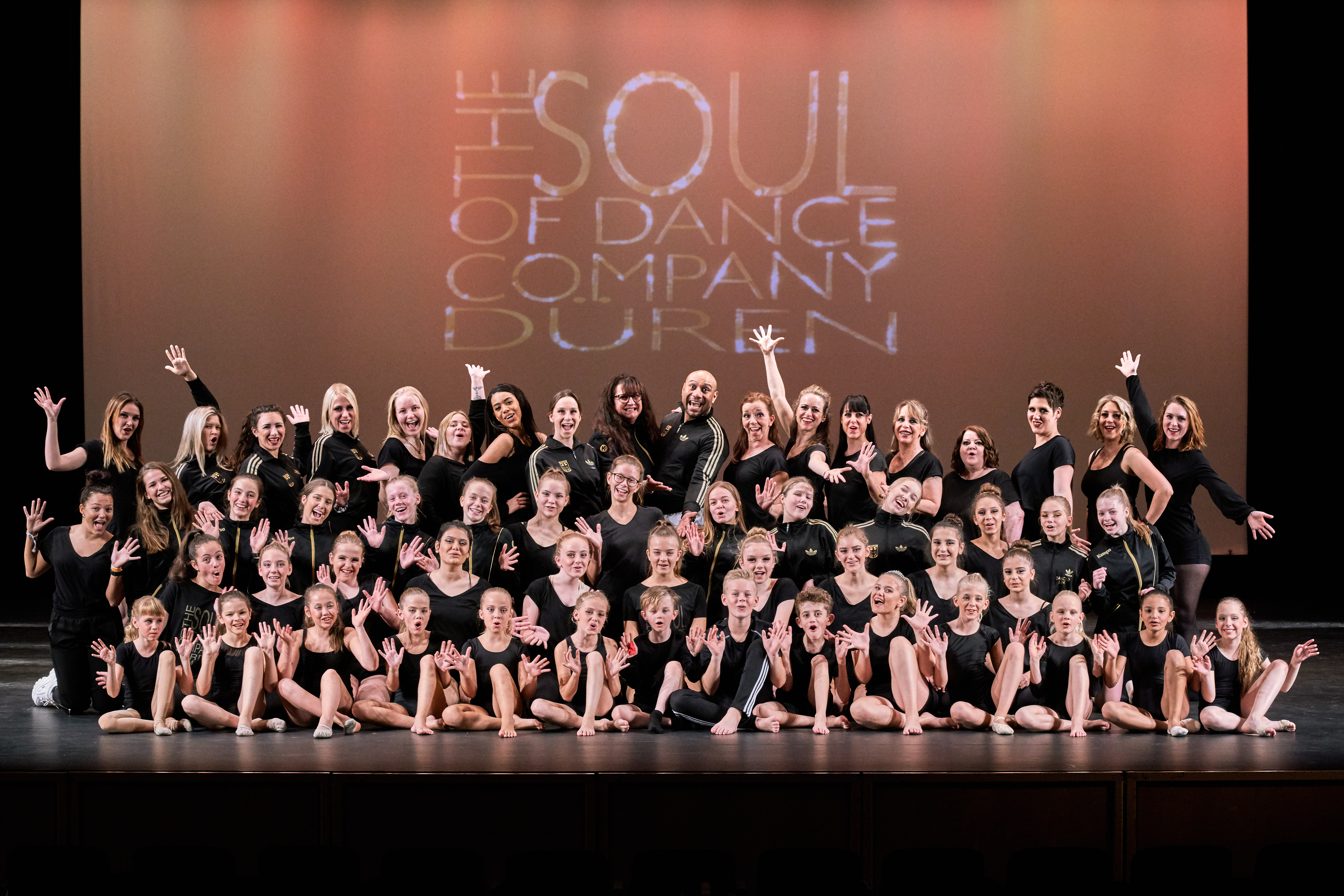 "The Soul of Dance Company ""fast"" komplett. Kurz vor der Show am 22.09.2019"